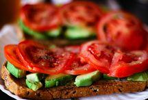 good eats :)  / by Liz Kraig