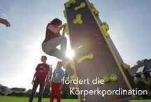 Außenspielgeräte / Vom Aussichtsturm bis zur Burgruine ... klettern, wippen, drehen ...