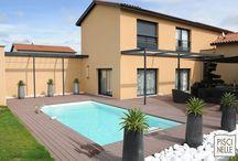 Reportage photo : une piscine rectangulaire en Gironde / Découvrez cette piscine rectangulaire réalisée par Piscinelle dans la région Aquitaine-Limousin-Poitou-Charentes en Gironde.