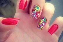 amelia nails