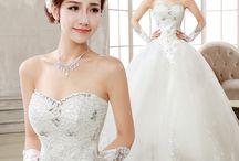 Rochii de mireasa / Avem mii de modele de rochii de mireasa cu preturi incepand de la 100 de lei!!! (fara transport)