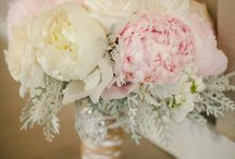 Wedding flowers / by Kindra Cobos