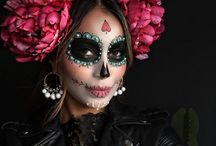 Dia de los Muertos - Day of the dead -Recipes and ideas / All things Mexican honouring the dead on the 1st of Nov