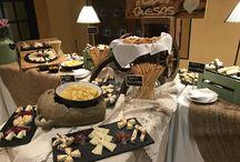 Buffets y estaciones - Guadalquivir catering / Buffets de quesos, vinos, cervezas, conservas, marisco... ¡Nuestra imaginación no tiene límites!  #ShowCooking #WeddingPlanner #Wedding