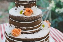Naked Wedding Cakes / Bakers these days are holding back frosting from wedding cakes for an exposed look that is popular with couples looking for a traditional wedding cake alternative. But is this frosting-free look right for you? These naked cakes will surely convince you.