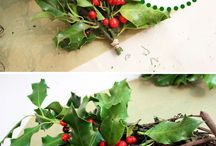 Berry Wreath / Refreshing Holiday Wreaths! http://a-life-from-scratch.com/refreshing-wreath-ideas/