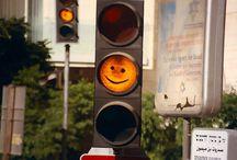 Traffic light 信号機のある風景