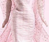 A) Šaty / Šaty