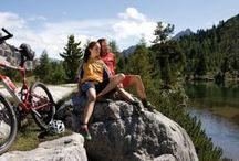 """Mountain bike / Il nostro resort e i suoi dintorni sono ideali per gli appassionati di mountain bike. Da dieci anni siamo anche membri del gruppo di hotel """"Mountainbike Holidays"""""""