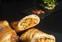 Recetas: Empanadas, panes, pizzas, bocadillos y hojaldres  / by Carmen Prieto