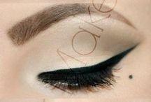 Burlesque pin up makeup