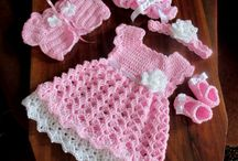 hæklet kjole lyserød