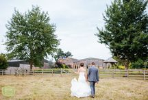 Mythe Barn Wedding Venue / Mythe Barn Wedding Venue Inspiration