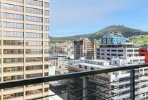 1700 Icon / Located within the city center, this modern studio apartment is the ideal base for anyone wanting to get out and explore Cape Town. The Icon building offers good security, daily servicing and a concierge for added convenience.