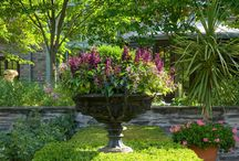 Container Gardens / Planted Pots & Urns in Landscape
