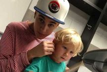 Picture :) with justin and Jaxon bieber / While Jaxon is playing a drum justin bieber takes a picture.. Hahaha