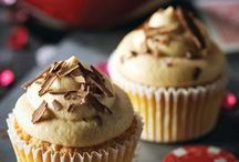 Recipes - Sweet Treats / by Jeanette Dugas