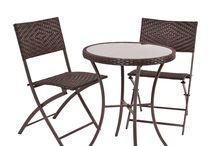 SET TAVOLO TONDO IN POLYRATTAN COLORE MARRONE / Set tavolo tondo più due sedie pieghevoli  con intreccio polyrattan  tavolo con vetro temperato   Impermeabile e resistente all'acqua, ideale per l'aperto    Realizzata da Nazareno Gabrielli  Colore Marrone