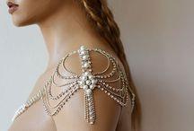 pierścionki zaręczynowe i ślubna biżuteria