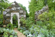 Ruins in the garden - Ruine in gradina / A romantic element in gardens.
