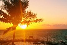 Florida Keys (United Stated) Top Cities / Florida Keys is a set of arounf 1,700 islands located in the South of Florida.  Its famous forhaving a wonderful Caribbean like climate, this is why its beaches are very popular among tourist in summer.