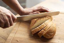Hand made / Our daily and homemade dishes: fresh pasta, bread and appetizers I nostri prodotti artigianali preparati freschi ogni giorno: pasta, pane e aperitivi