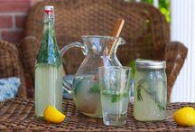 Drinks / by Paula Gardner