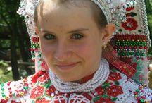NÉPVISELET,....,magyar .... . / település,.... népszokás.....eszközök...