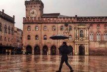 luoghi  e la mia regione.Emilia Romagna e la mia città Bologna.La città  dei portici!!