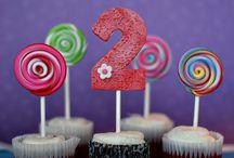 lolypop cupcakes