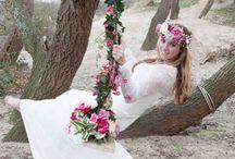 Fotoshoot!! Summer Bohemian Wedding / Summer Bohemian wedding photoshoot waar Weird Closet de bruidsjurk voor heeft mogen maken. Bruidspaar: Tim en Stephanie Akkerman  Fotograaf: A3nn fotografie Styling: Suus Aponno Jurk: Weird Closet