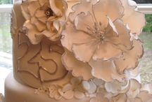 Gertie Gabble Bakes Cakes / Anniversary cake