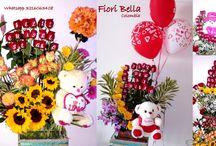 Arreglos Florales con Rosas Impresas Fiori Bella Colombia / Un #ArregloFloral de #FioriBellaColombia con #Rosasimpresas es sin duda el #Regalo perfecto para una Persona muy especial, #DiloconRosasImpresas. #FloristeriaFioriBellaColombia, #ArreglosFloralesconRosasImpresas, #ArreglosparatodaOcasión, #ArreglosFloralesNovedosos, #Rosas, #FloristeriaCali, #DiloconRosas, #speakingRosesColombia, #Arreglosespectaculares, #FloristeríaCali, #FloristeríaColombia, #CajadeRosasImpresas, #ArreglosFloralesconPeluches, Contactos; Cel 3216063408
