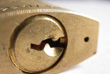 Cierres ganzuas cerraduras bombines... / 677888061 Venta herramientas para cerrajeros cerrajeria, juegos ganzuas estractores de bombines para abrir puertas estractores llaves bombines cerraduras