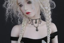 Doll hair style