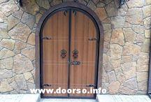 Арочные металлические двери.
