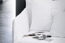 """- GERVASONI - / """" L'azienda Gervasoni è una realtà ampia e articolata. Seguendo la vocazione imprenditoriale di famiglia, nel 2009 Giovanni e Michele Gervasoni hanno acquisito la IFA srl – azienda specializzata nella produzione di sedie in legno di alta qualità – lanciando il marchio Very Wood riservato al mercato contract. Nel 2012 la Gervasoni ha presentato Letti&co., il suo nuovo brand dedicato alla cultura del sonno nato dalla collaborazione con Paola Navone, direttore artistico anche del nuovo marchio""""."""
