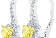 HOLIDAY GIFTS / by Liori Diamonds