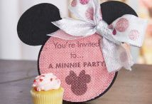 Disney Craft: Minnie Mouse / The only thing more fun than Minnie Mouse, is creating Minnie Mouse crafts!