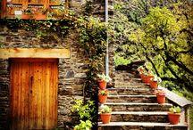 Racons d'Estaon / Estaon és un poble d'alta muntaya, amb cases de pedra, llosats de pissarra, carrers estrets i envoltat de natura. Aquí trobareu alguns dels racons més bonics d'Estaon.