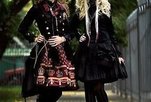 LoLiTAs / Fotos de gothic, sweets and everything that i love in lolitas! / by Lua Scheir