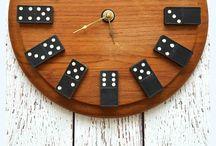 Dominos clock