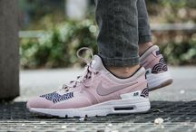 "Nike Wmns Air Max Zero LOTC QS ""Look of the City"" Tokyo (847125-600)"