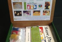 Mouse Paint by Ellen Stoll Walsh-August 2014 Kit / Fun and educational activities based on the book Mouse Paint.