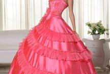 Plesové a společenské šaty