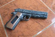 M1911 / spring airsoft gun