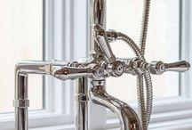 Rubinetteria / Taps / Una vasta gamma di rubinetteria bagno per ogni esigenza, sia rubinetti da piano che rubinetteria da muro.