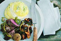 """Kochen - Wildbret - Rezepte / Es ist gesund, es kommt aus der Region und es schmeckt lecker. Wildbret aus dem Staatswald erfüllt alle Kriterien, die an eine gesunde und gute Küche gestellt werden. Und es hat den großen Vorteil, dass es als """"Fleisch der kurzen Wege"""" ohne Umwege direkt aus dem Wald auf den Teller kommt."""