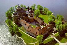 Castles, Abbeys, Manors & Chateau / by Lynn Adams