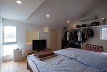 寝室 / 香川県でソラマドの家を建てています、センコー産業です。 香川県内で手掛けた「ソラマドの家」の写真(施工例)を掲載しています。 実際に「ソラマドの家」を見たい方。香川県綾歌郡宇多津町にモデルハウスもございます。ぜひ遊びに来てください♬
